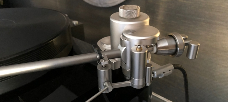 Acoustical-Systems Axiom ref tonearm